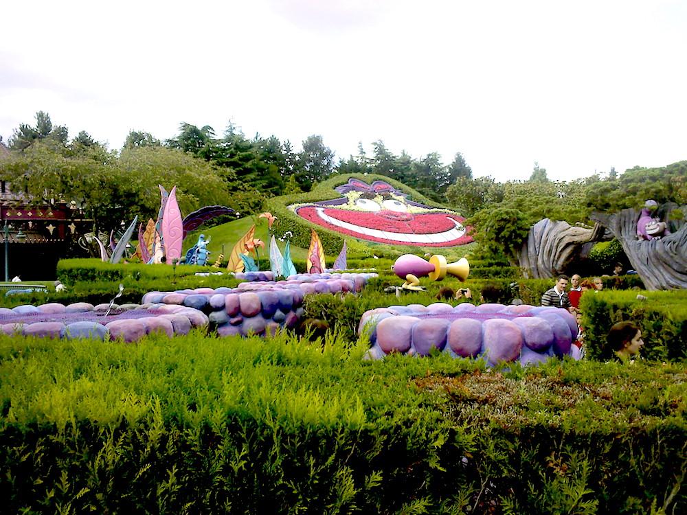 Alice S Curious Labyrinth Fantasyland Parc Disneyland